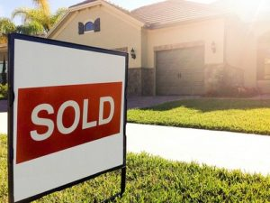 13855784355_447b9c3280_house-for-sale-sign